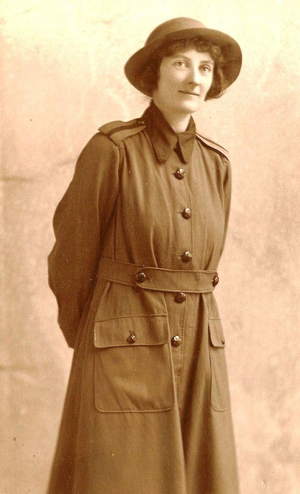 Teresa Hooley in WLA Uniform - Derby Telegraph