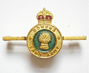 World War Two Women's Land Army Tie Pie Badge