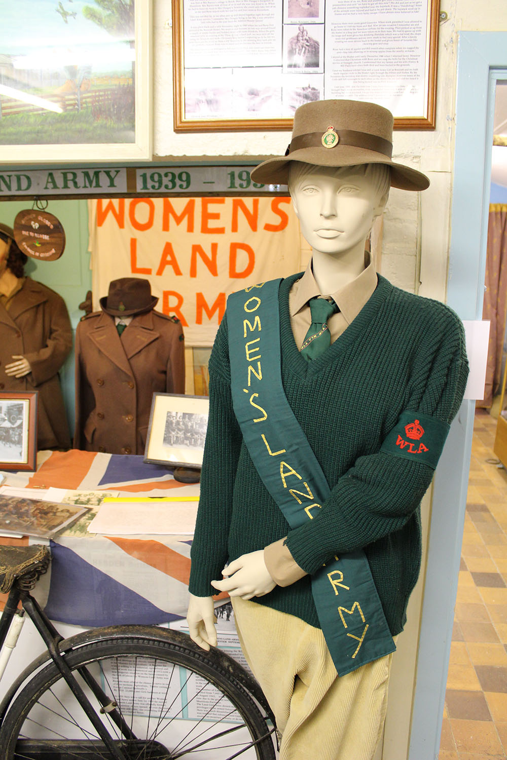 5ceacce0cba wla-display-romney-marsh-wartime-collection-brenzett-uniform-with ...