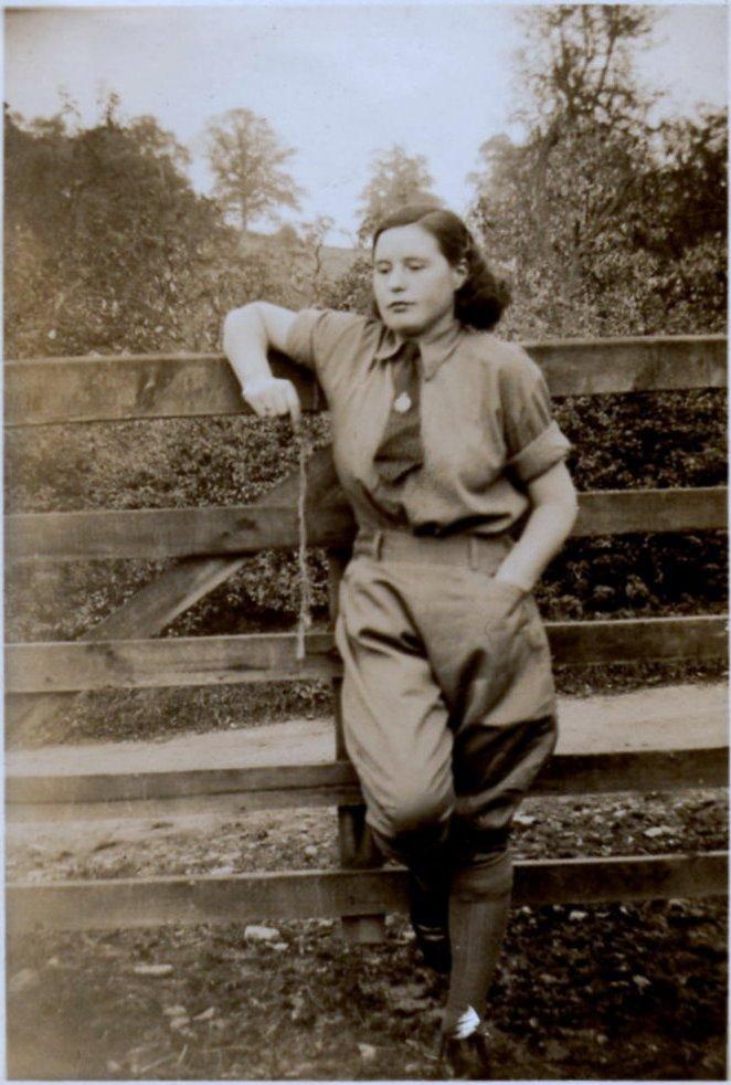 Land Girl Violet Elsie Tranter