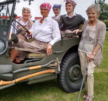 Lilies on the Land cast members with former 1940s Land Girl Zeita at Thurleigh 306BS Museum 4 August 2019 Photo by Stuart Antrobus