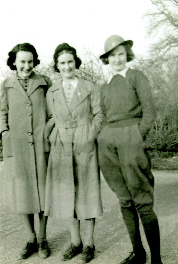 Daphne Webb on right with her sister and cousin