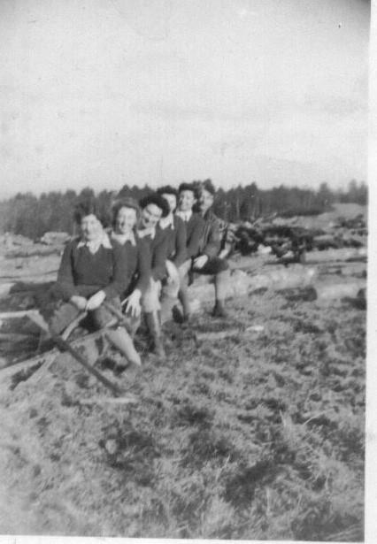 Gwyneth Mary Edwards and her friends Llanberis around 1943