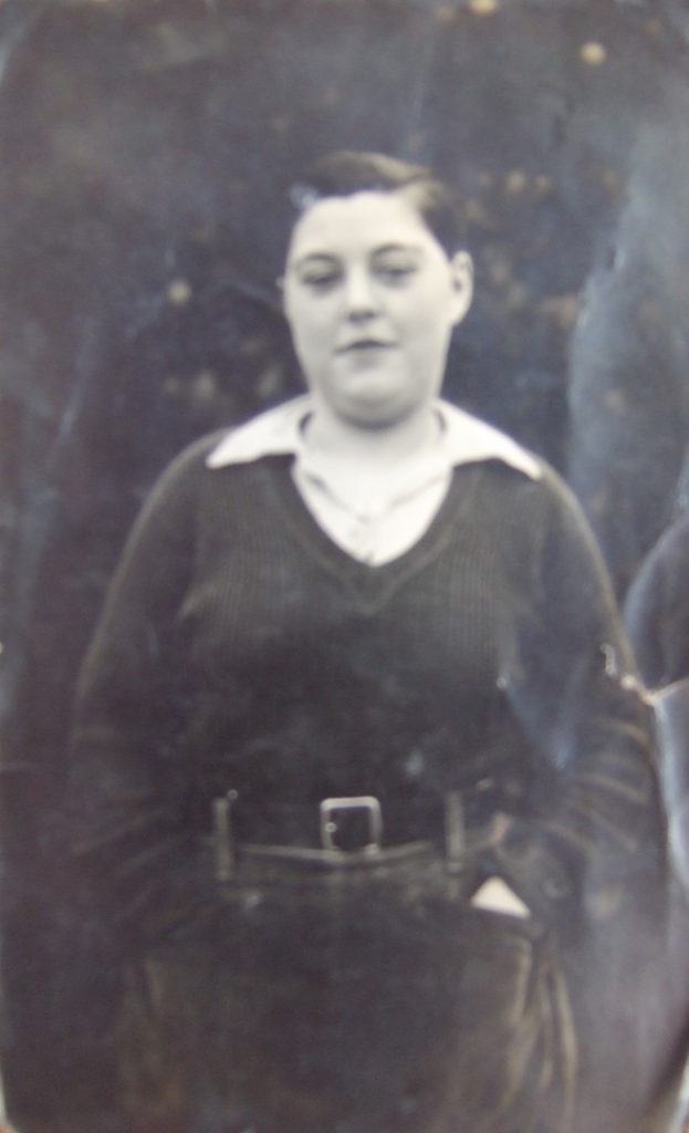Joycelyn Betty Theobald (née Mumford) when she was 17yrs old in 1943.