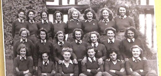 Land-Girls-at-the-Old-Rectory