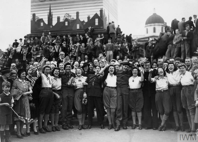 This image has an empty alt attribute; its file name is VE-Day-in-London.jpg